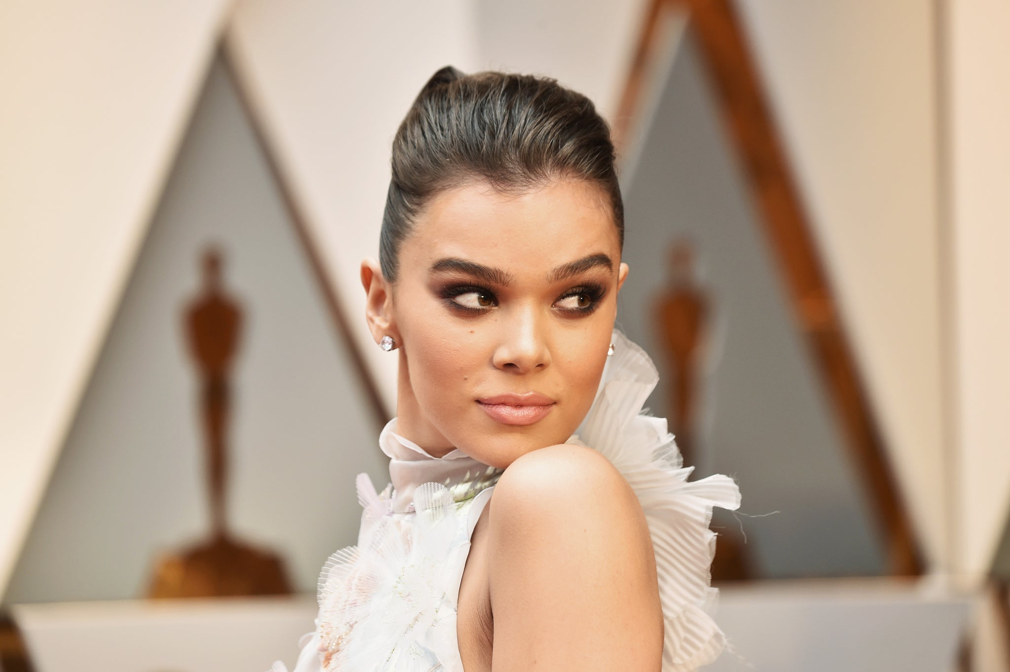 The Weird Move Hailee Steinfeld Does to Stay Fit While Traveling