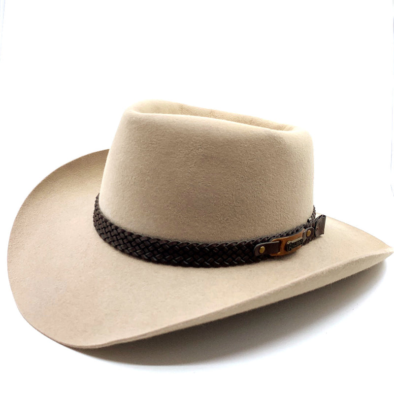 The Akubra Snowy River Hat features a plaited bonded leather band. Make the most of reduced prices on all of our Akubras online, and receive free shipping if you spend over $200.