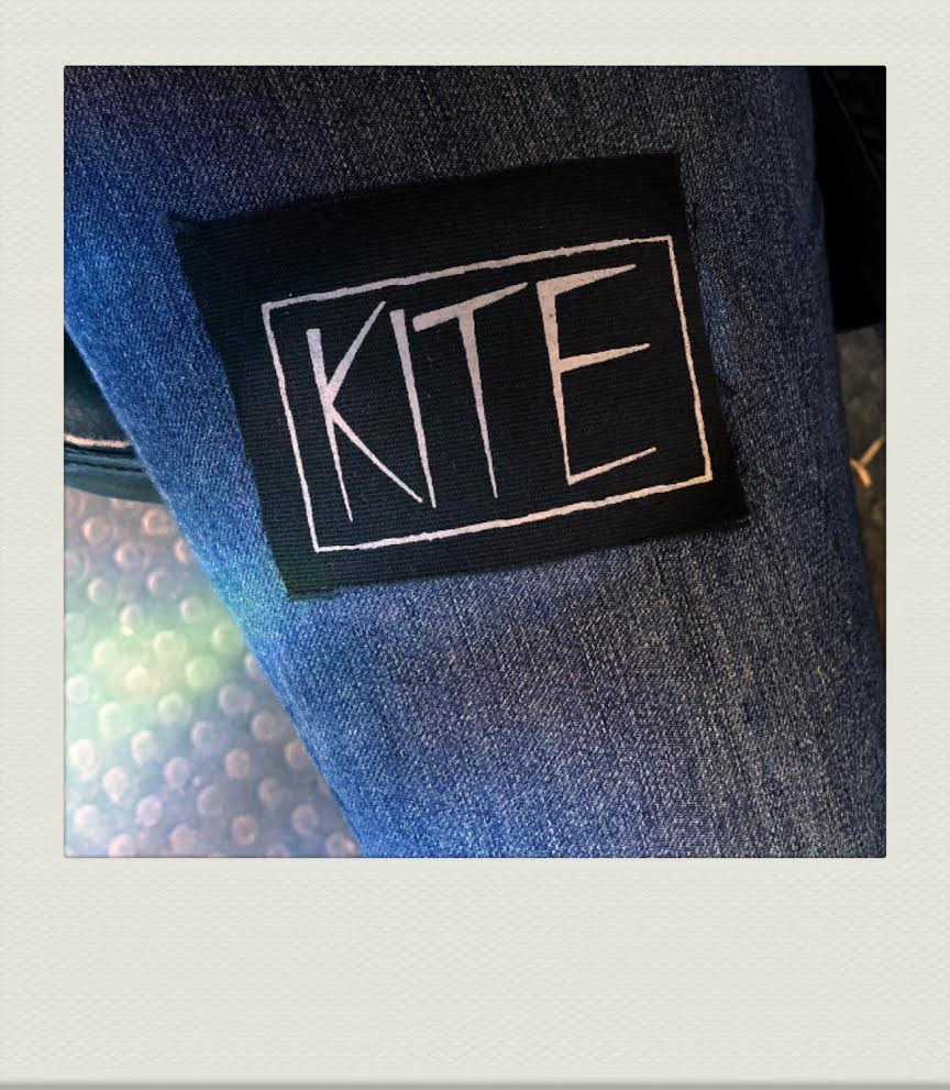 PATCH LOGO GREY