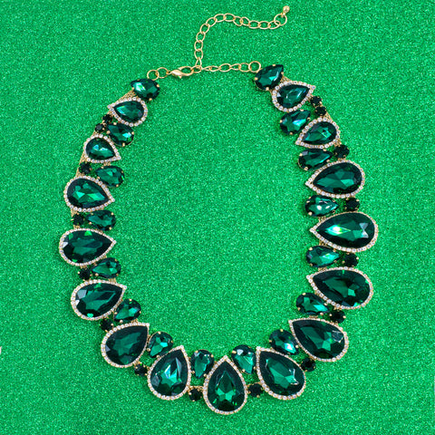 LIKE A QUEEN STATEMENT NECKLACE (EMERALD)