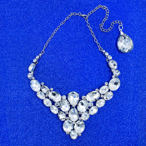 WINTER EMPRESS STATEMENT NECKLACE