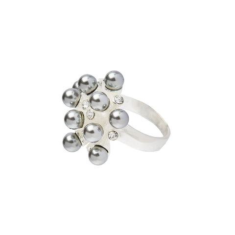 PRETTY IN PEARL CLUSTER STATEMENT RING (GREY)