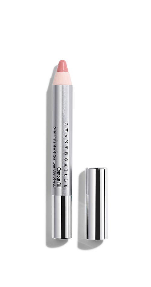 Specifically conceived for the little lines around the lips, Contour Fill pencil smoothes the appearance of lip surface.