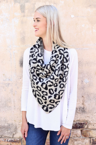 leopard loop scarf black white