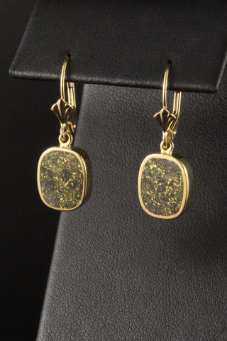 Gold in Quartz Earrings in 18kt Gold