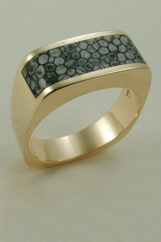 The Original Stingray Coral in 18kt Gold Band