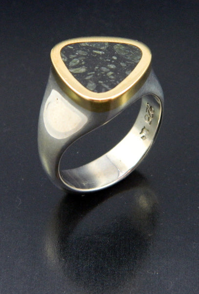 Kimberlite Ring