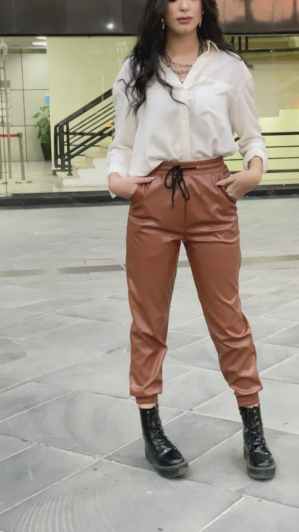 Camel leather jogging pants
