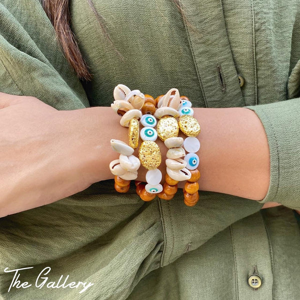 Wooded bead & shell bracelet