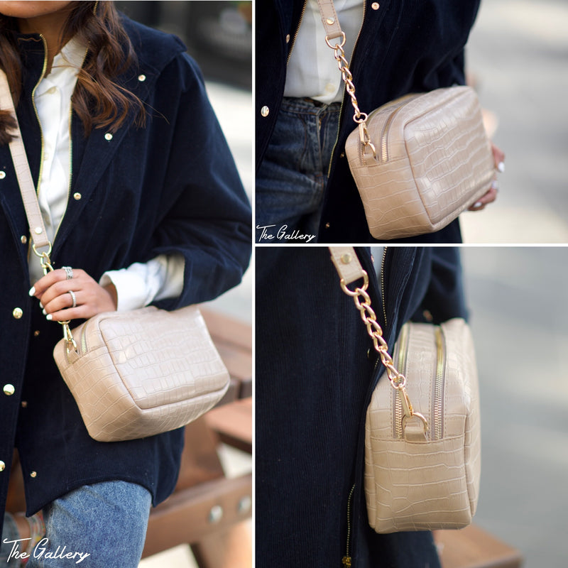 Square crossbody leather bag