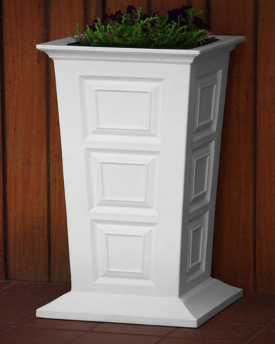 Savannah Lighted Planter