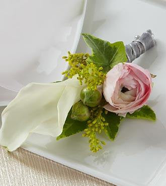 Enchantment™ Boutonniere