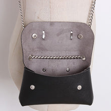 | Snake Belly Bag |