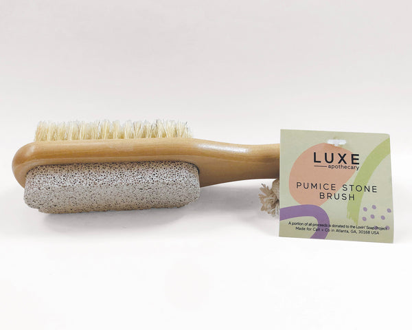 This Luxe Pumice Stone Brush is perfect to help you exfoliate your skin.