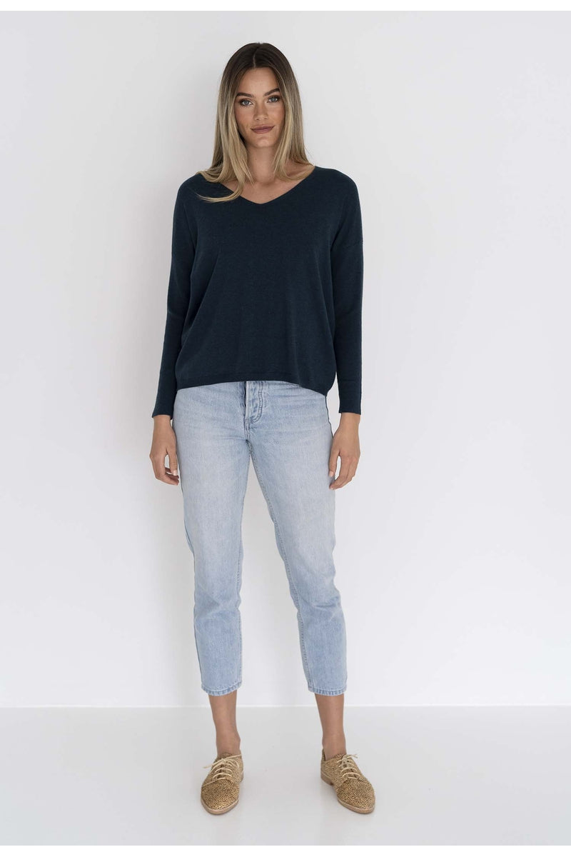 SIENNA V-NECK BLOUSE
