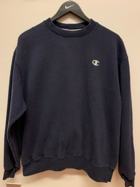 Champion Essential Sweatshirt
