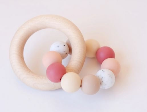Wooden teething ring toy