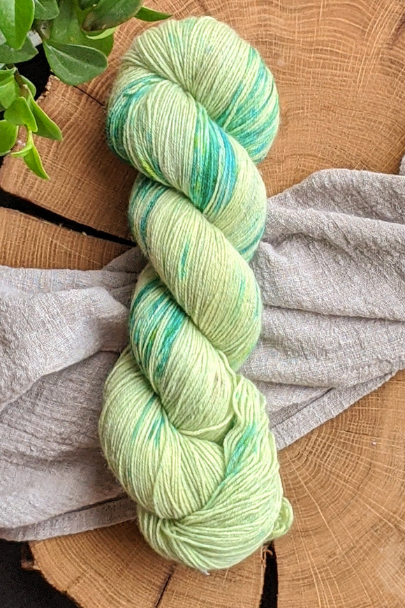 Bartlett Pear - Bullet BFL - Fingering - Sale