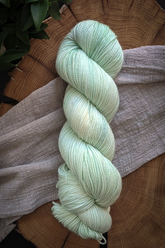 Pillow Mint - Vibrant 80/20 - Fingering Weight