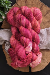 Maple Leaf - PINK MISFIT - Vibrant 80/20 - Fingering Weight