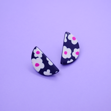Load image into Gallery viewer, Polymer clay half moon shape stud earrings with daisy motif floral pattern in navy and pink purple fuchsia color. Easy to wear everyday and super lightweight.