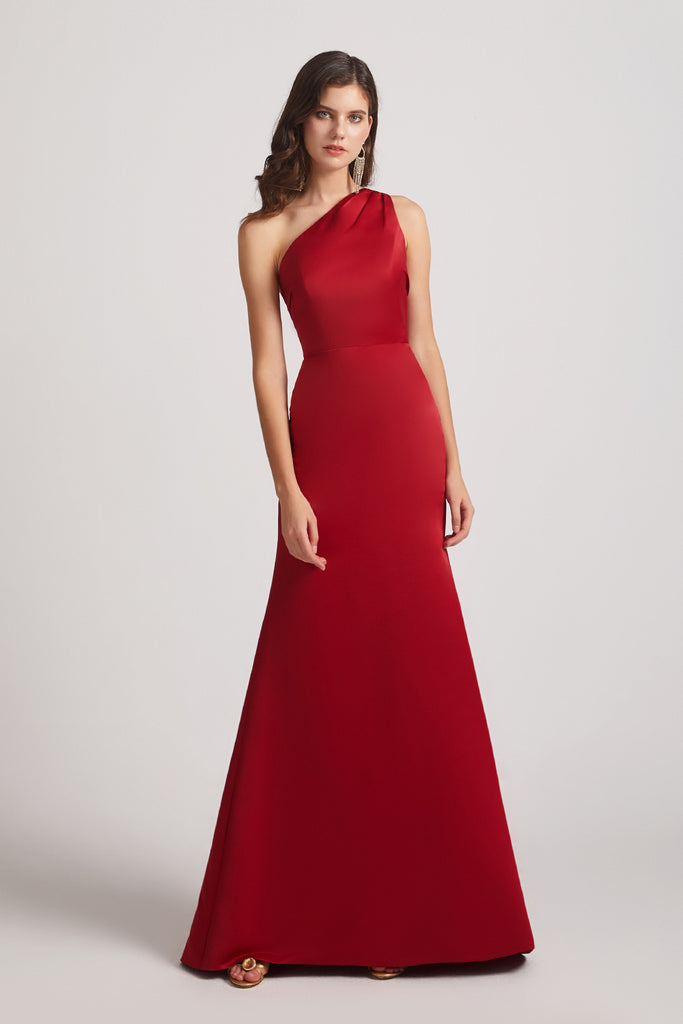 one shoulder red sleeveless bridesmaid gown
