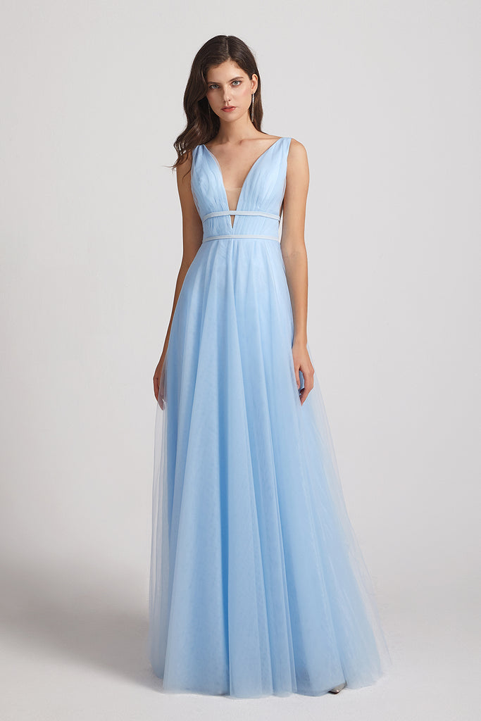 sleeveless a-line blue tulle bridesmaid gown