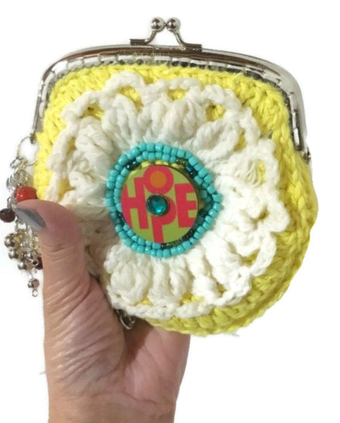 Crochet wristlet, metal frame purse, kiss clasp, The yellow daisy coin purse