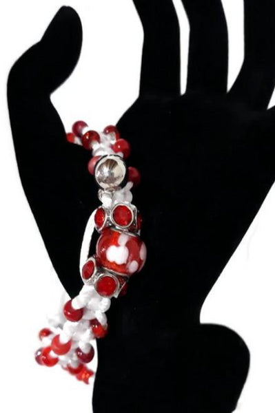Beaded macrame bracelet, adjustable clasp, Red and white gloxinia macrame bracelet