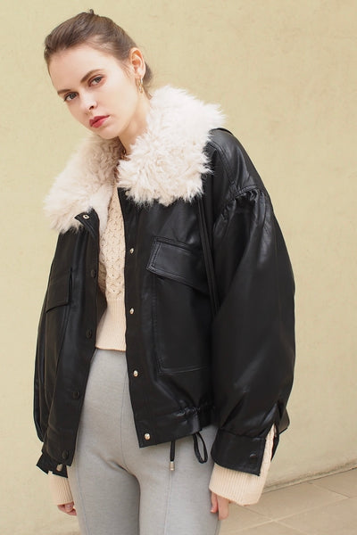 Faux fur color blouson【white/black】