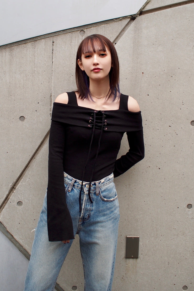 Off-shoulder lace-up cut-and-sew [Black/Orage/White]