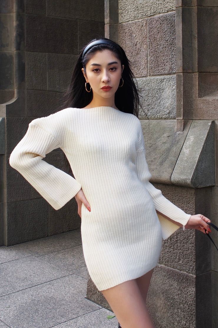 Knit mini length dress【white/black】