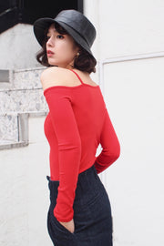 Side shoulder cut-and-sew [Black/Red/Beige]