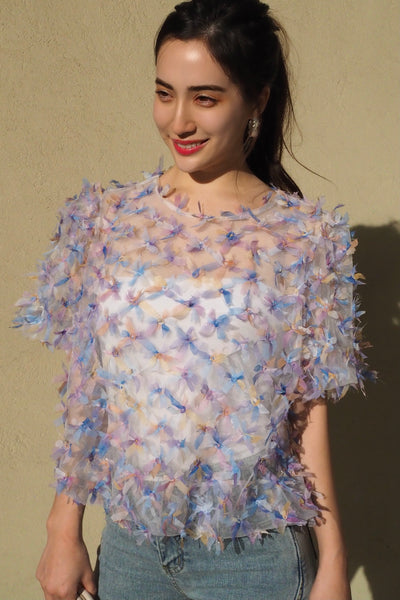 Three-dimensional ribbon tops