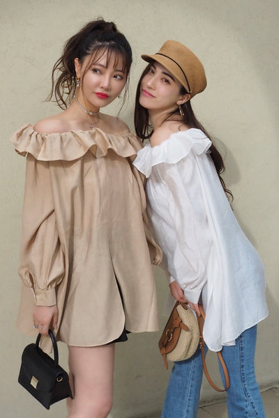Off-shoulder tunic blouse【beige/white】