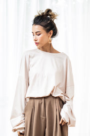 Volume sleeve tops [Black/Beige]