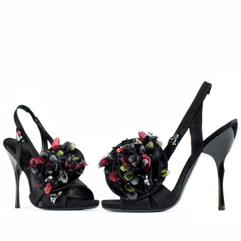 Flowers for your feet...a couture shoe by Georgina Goodman with hand made beaded petals and precious stones
