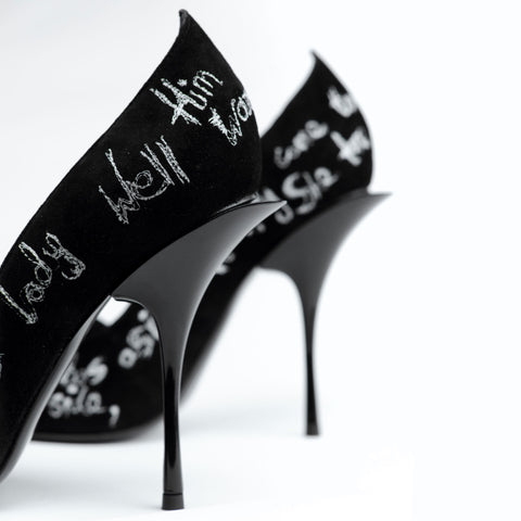 Couture shoe by Georgina Goodman embroidered with love poetry.