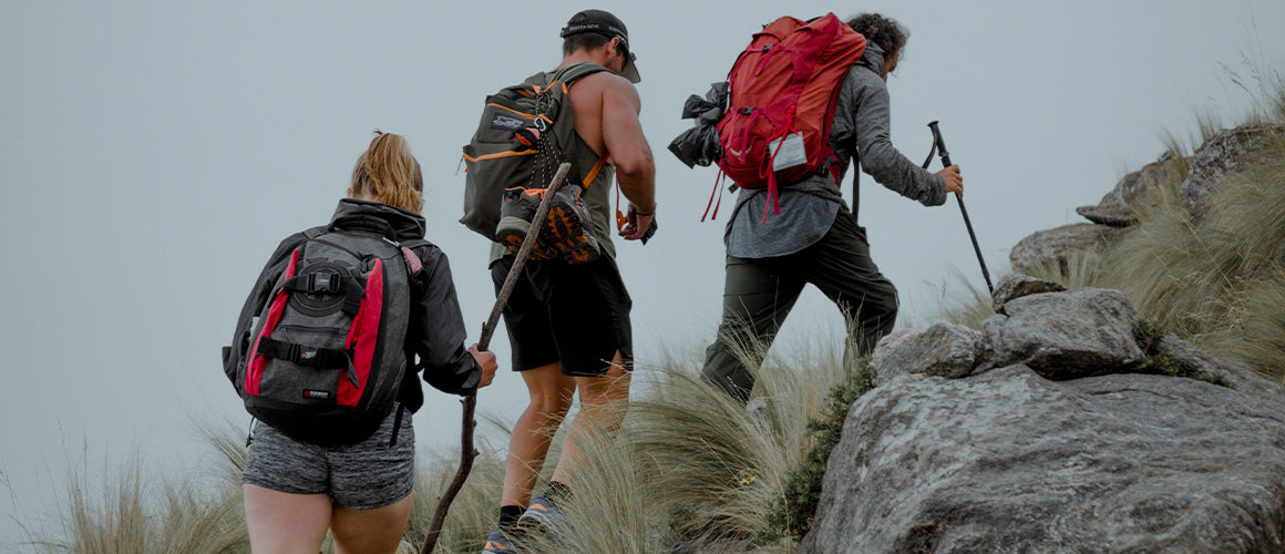 Essential products for hiking - Skuxs