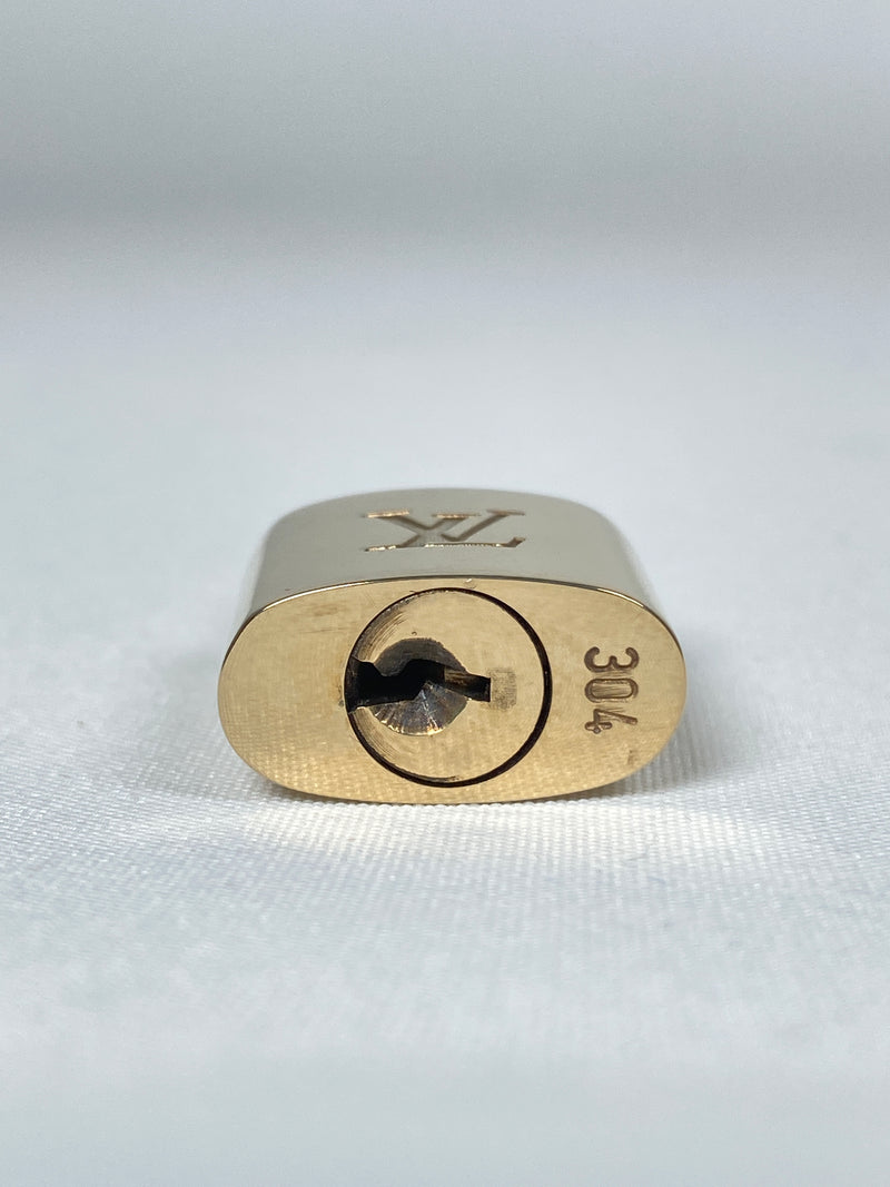 LOUIS VUITTON - PADLOCK & KEY SET #304