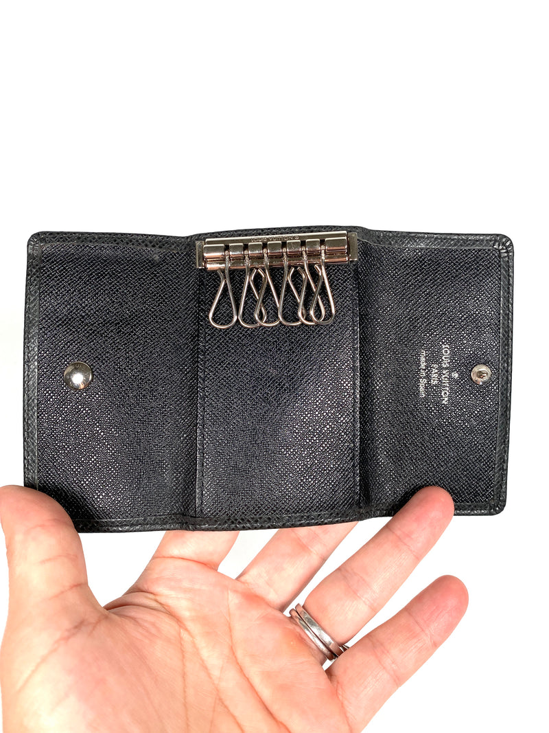 LOUIS VUITTON - BLACK TAIGA LEATHER MULTICLES 6 KEY HOLDER