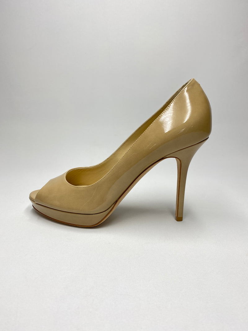 JIMMY CHOO - LUNA NUDE PATENT LEATHER PEEP TOE PLATFORM PUMPS  - SZ 38 - NEW IN BOX