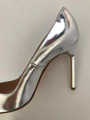 MANOLO BLAHNIK - METALLIC SILVER BB PUMPS - SZ 38 - NEW