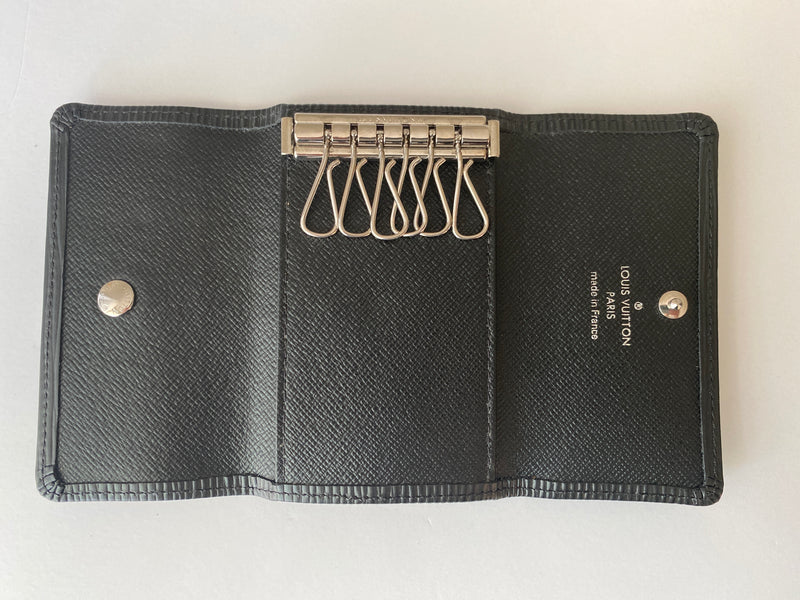 LOUIS VUITTON - MULTICLES 6 KEY HOLDER IN BLACK EPI LEATHER
