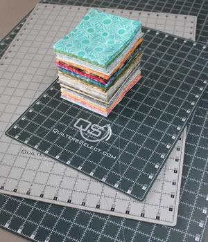 rotary cutting mat for sewing and quilting