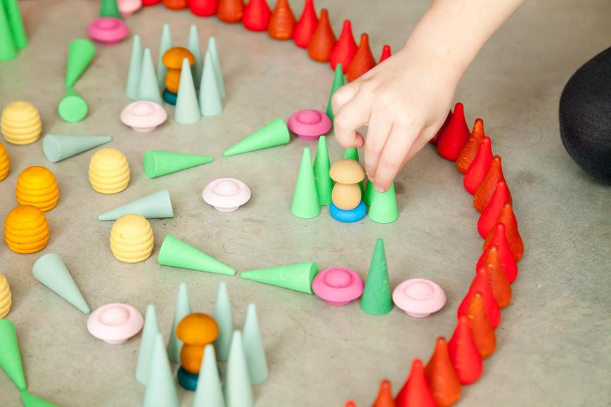 Children_of_the_Wild-Australia Grapat Green Little Cones Mandala Wooden Loose Parts