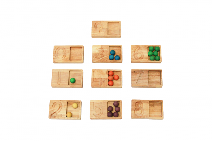Q toys Wooden Writing and Counting Trays