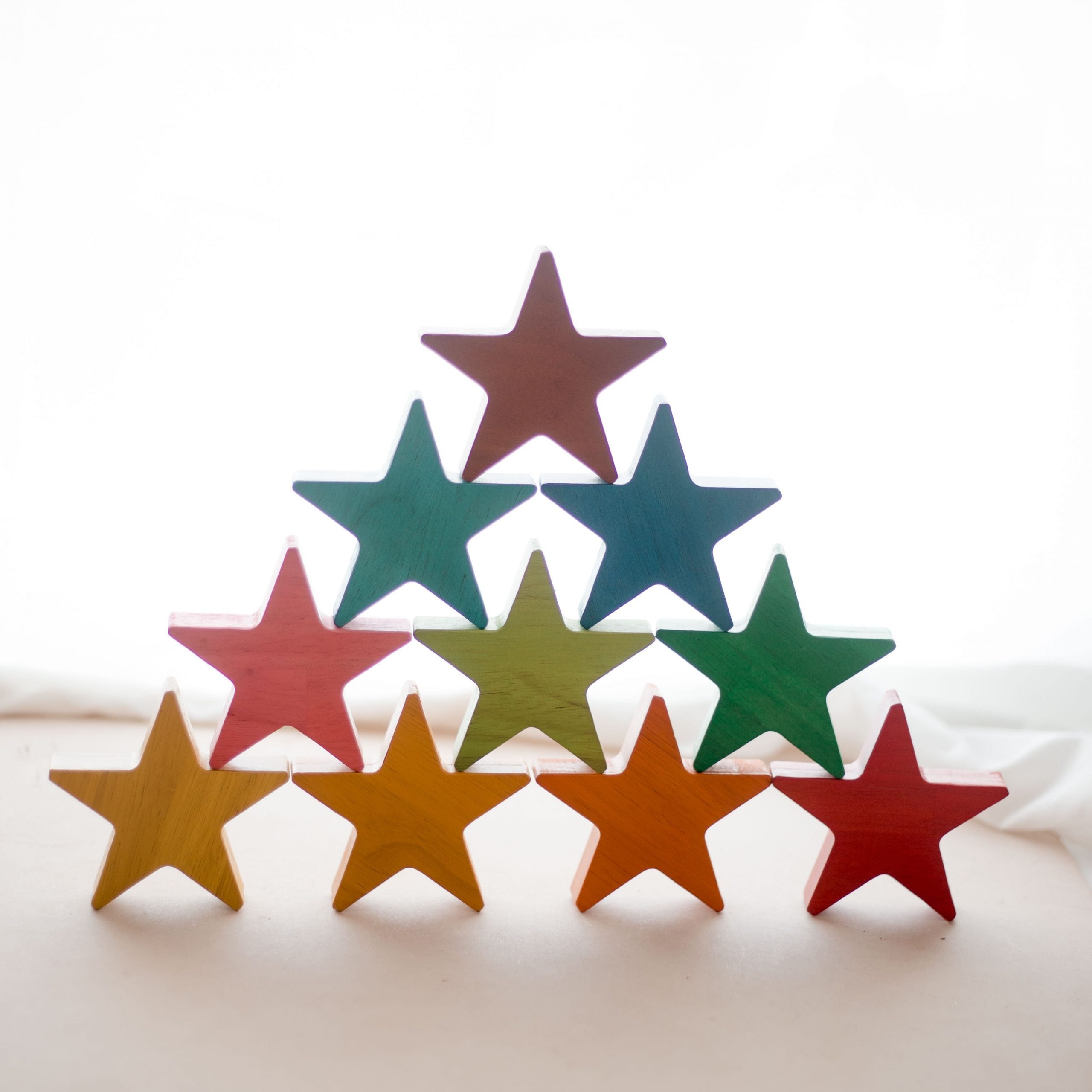 Qtoys Wooden Rainbow Stars set of 10