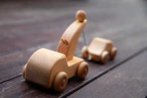 Debresk - Small Wooden Tow Truck