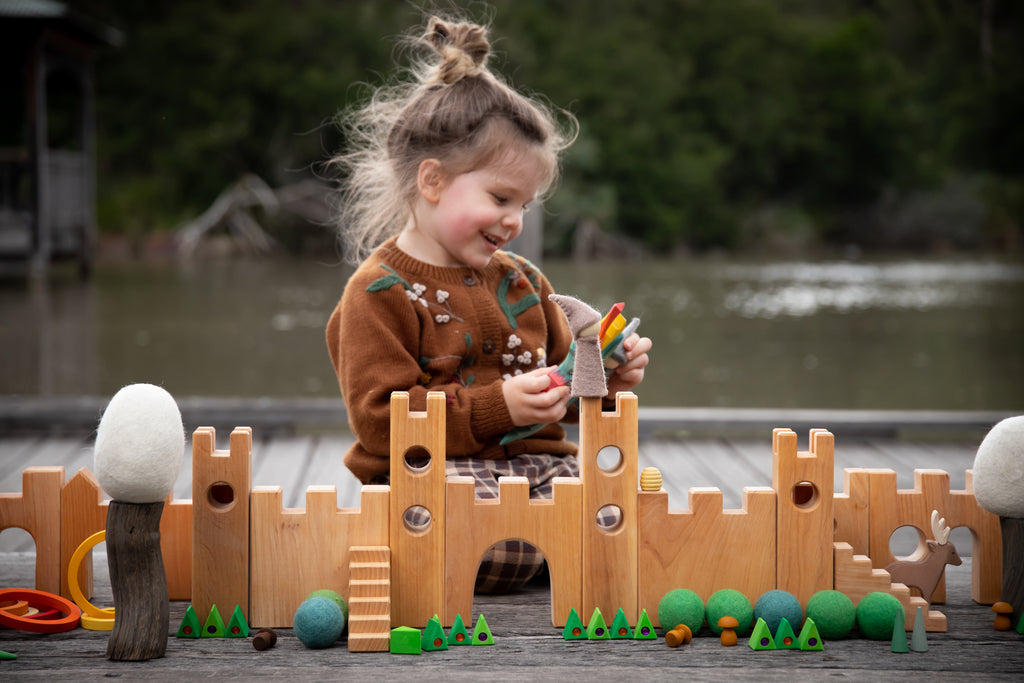 Children_of_the_Wild-Australia Bauspiel Castle Wooden Block Set